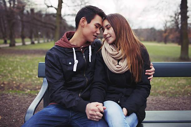 Sexo oral entre adolescentes: Prácticas y dinámicas