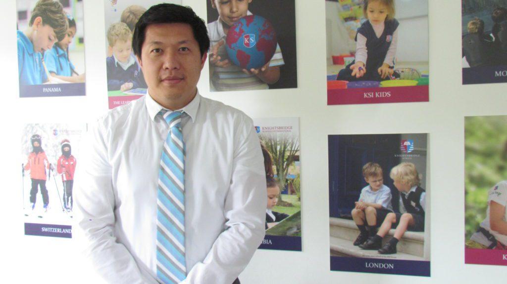 """Mr. Wallace Ting, director del """"Knightsbridge Schools International"""" Para Mr. Wallace Ting, director del Colegio Knightsbridge, lo más importante en la educación es dominar el arte de aprender de los errores y motivarnos desde adentro."""