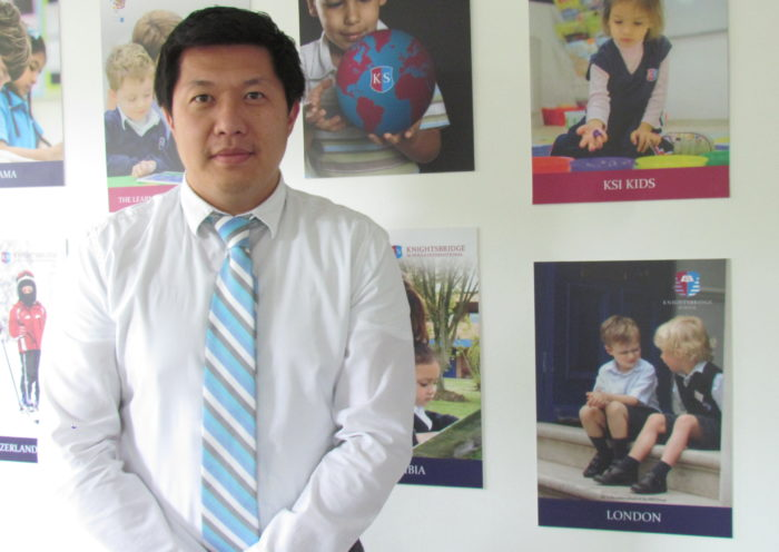 "Mr. Wallace Ting, director del ""Knightsbridge Schools International"""