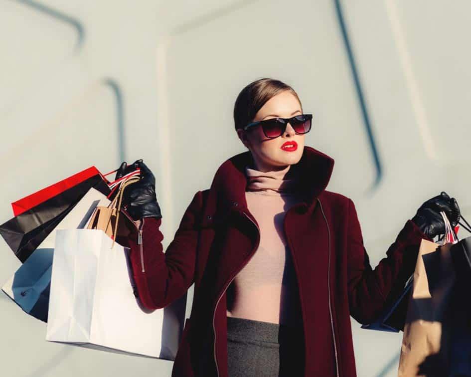 Asesor de imagen: Una profesión de moda Evaluar el perfil de cada persona para conocer qué le favorece, es la labor que los Asesores de Imagen realizan para impulsar la autoestima.
