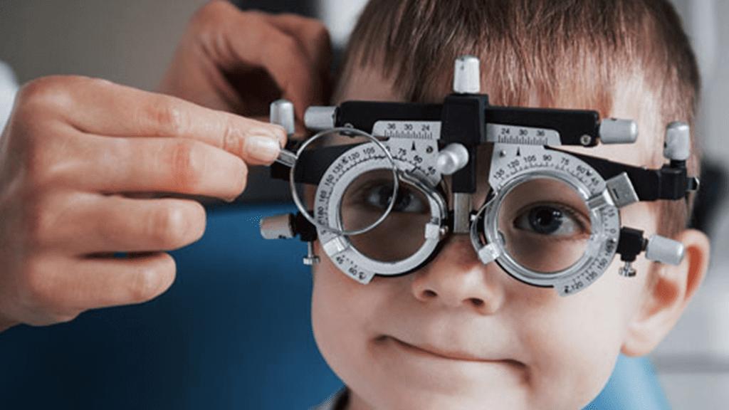 ¿Los problemas de visión afectan el aprendizaje escolar?