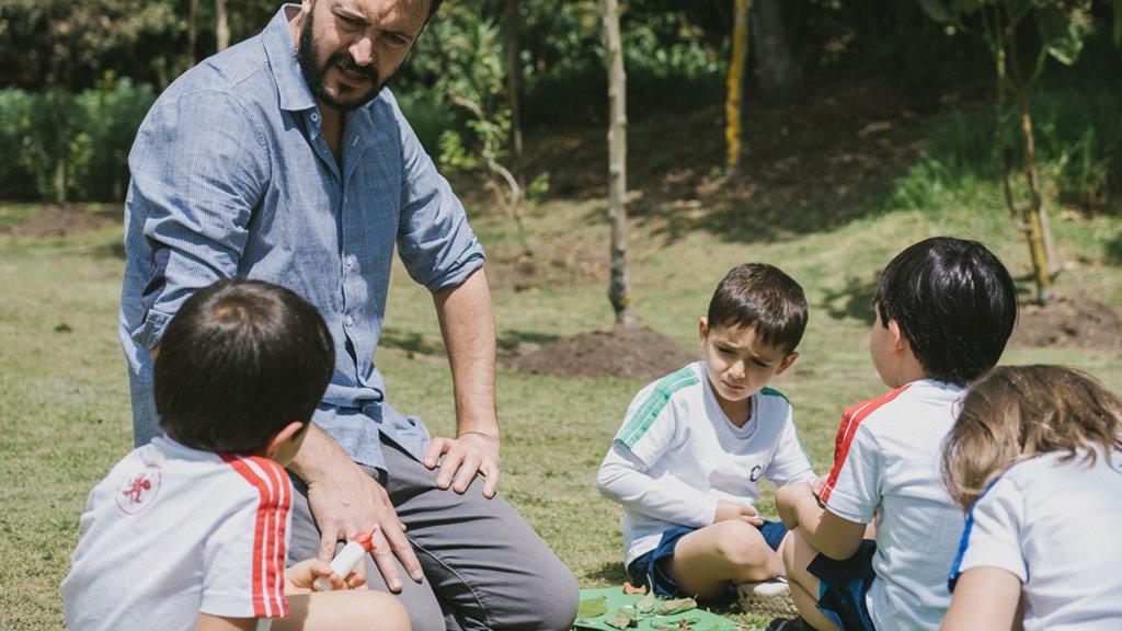 Aprende, la Escuela de Profesores del Colegio Los Nogales de Bogotá, ofrece talleres para profesores del todo el país